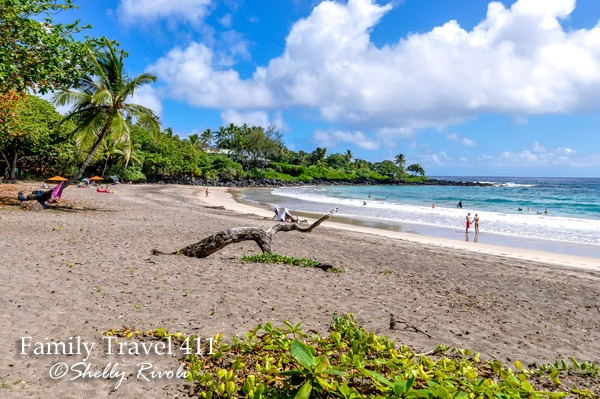 Beach shuttles to Hamoa Beach