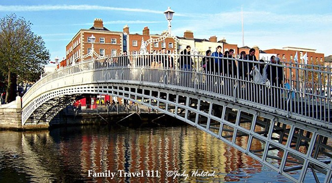 Dublin's HaPenny Bridge is a must for those traveling to Ireland with Kids