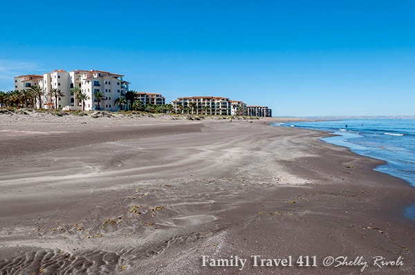 Paraiso del Mar condominiums and beach for family vacation at La Paz, Mexico