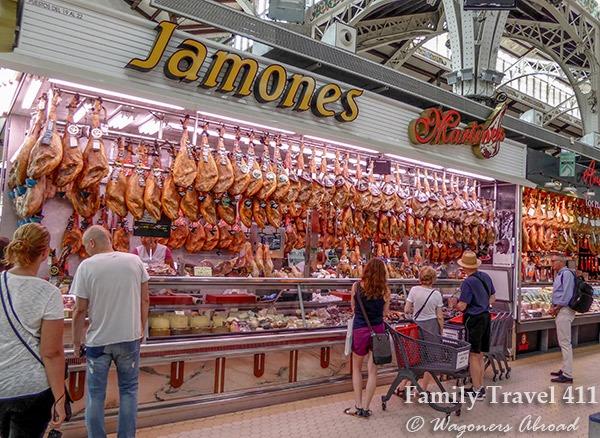 shopping Mercat Central de Valencia with kids