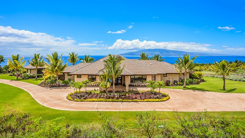 Great views for big groups at this private estate in Maui.